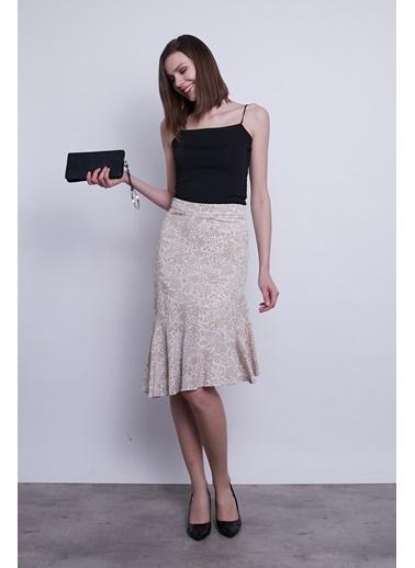 Jument Kadın Desenli Yüksek Bel Eteği Volanlı Astarlı Asimetrik Etek-Siyah Çiçek Bej